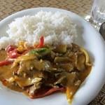 シーザー - ランチメニューの「蟹のカレー炒め」→改め 牛肉のカレー炒めです