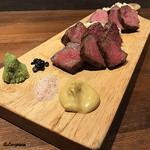 肉バルサンダー - 仙台黒毛和牛サーロイン+いわて短角牛サーロイン
