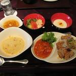 Saihinrou - エビのチリソースと鶏肉の油淋ソース