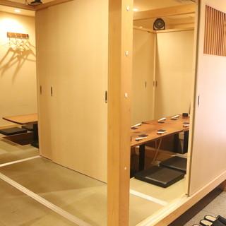 人数に合わせてしきりを変えられる「完全個室」