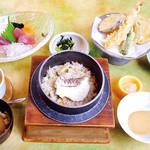 季の屋 - 釜飯御膳(※写真は鯛釜飯です。)
