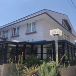103674041 - かなりキャパのあるお洒落なレストラン。