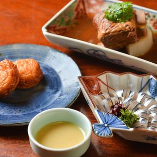 昭和8年より受け継ぐ伝統の味。鹿児島の山海の旬を一皿に留めて