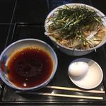 港屋2 - 冷たい肉そば(¥1000)