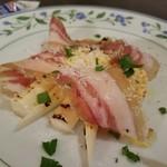 オステリア オリーヴァ ネーラ トウキョウ - 生ハムのサラダ仕立てとホワイトアスパラ