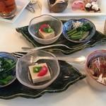 cafe West53rd - サイドディッシュは3品  蒸し鶏サラダ仕立て ねぎソース 春野菜のおひたし  胡麻豆腐  旨出汁 山椒