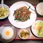 東方紅 - Aランチ(1185円)