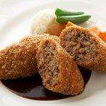 西櫻亭 - 料理写真:当店の看板メニュー!サクッとジューシーな美味しさを自慢のドミグラスソースと共に