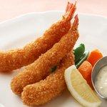 西櫻亭 - 料理写真:プリプリ海老3本を贅沢な一皿に!自家製タルタルソースを添えて