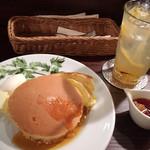 カフェ香咲 - ホットケーキ(750円)、自家製レモンスカッシュ(760円)