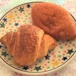 ペトラン - 料理写真:クロワッサン、カレーパン