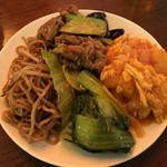 香港蒸蘢 - 上海やきそば/牛肉のオイスターソース炒め/海老チリソース/チンゲン菜の塩炒め