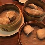 香港蒸蘢 - 肉焼売/ふかひれ入り餃子/海老餃子