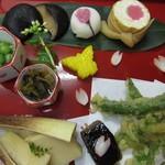 心々亭茶寮 - 薬膳すずらんコースの季節の盆3月