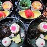 心々亭茶寮 - ザ・精進コースの季節の二段かご3月彩り鮮やか