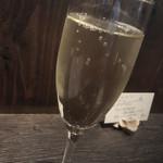 普段着ワイン酒場GETABAKI - スパークリングワイン