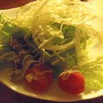 cafe & Food Bar 清志廊亭 - 料理写真:まずはサラダ、結構ボリュームあります。