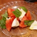 鎗屋町 134 - アメーラトマトとナポリ直送水牛チーズでカプレーゼ