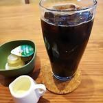 W's cafe - オーガニックアイスコーヒー(税込み300円)