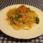 赤いどうくつ - 料理写真:「ブロッコリーとボッタルガのペペロンチーノ」