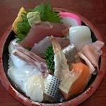秀寿し - 料理写真:ちらし寿司650円
