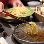 レタしゃぶダイニング - 最後は締めの中華麺。
