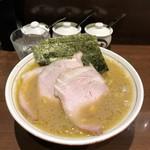 103732373 - チャーシューめん もも肉(¥900)