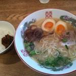 博多 - ラーメンセット+味たまご・700円(税込み)