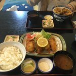 角三 - 牡蠣フライ定食1200円です。