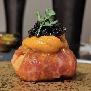 お薦めは和牛を使った創作料理