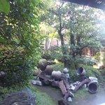 風凛 - 喫煙コーナーのある中庭