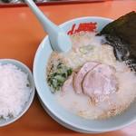 山岡家山形西田店 - 塩ラーメン 650円 半ライス 120円