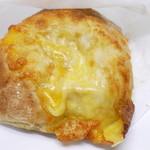 天然酵母パンの店 サンセリテ 北の小麦 - 料理写真:スキャッチャータチーズ