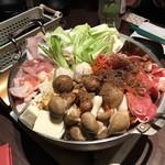 台灣食堂 - 鍋 ※結構、具だくさん