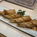 ポポンペット・ラスール - 蟹と小柱の海鮮春巻き
