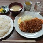 三好弥 - 料理写真:ロースとんかつ定食¥720-