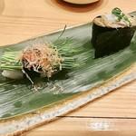 梅丘寿司の美登利 - ▲左、芽ネギ、右、蟹味噌軍艦