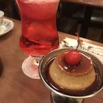 西浅草 黒猫亭 - プリンと桜クリームソーダ