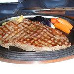 レストラン白鳥 - 今回もみそ焼きと、サーロインステーキ300g食べてしまいました。