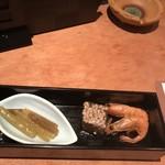 旨い魚と旨い酒 海老の世界 - 付き出し