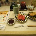 海鮮寿司とれとれ市場 - 料理写真:まぐろ3種、あなご1本