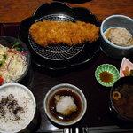 とんかつ懐石 こざくら - ロースカツ定食 1300円