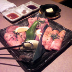 サンムーン - 焼肉3種盛合せ!うまい!