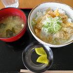 10381568 - 青森ほたて卵とじ丼650円