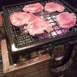 博多中洲 五臓六腑 - そのタン塩焼いてます♪