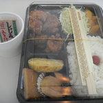 万てん弁当 - 料理写真:鶏唐揚げ弁当(味噌汁はサービス) 500円