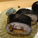 103814390 - 吉野巻です♪隠れて見えづらいですが奥に鯖寿司もあります