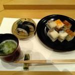 103814397 - 箱寿司と吉野巻です♪