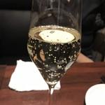 鉄板 ぶるじょわ - 家内の樽出スパークリングワイン