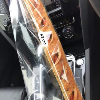 ラ・パン・エレガント - 料理写真:辛口ロングウインナー@400円+税